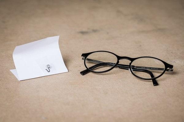 Ødelagte briller og smådele